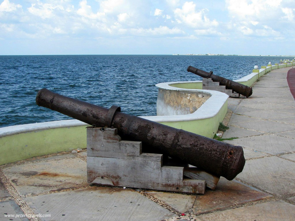 Cannons along the Malecon