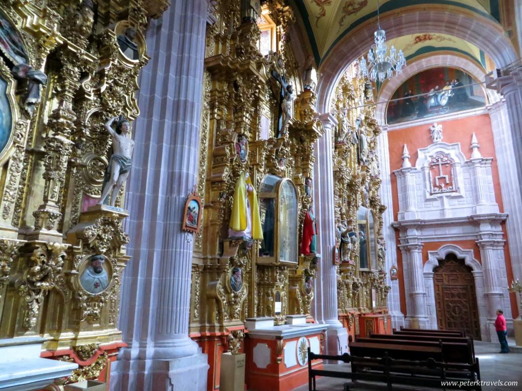 Iglesia de Santo Domingo Gilded Retablos