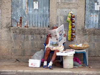 Sidewalk vendor, Granada