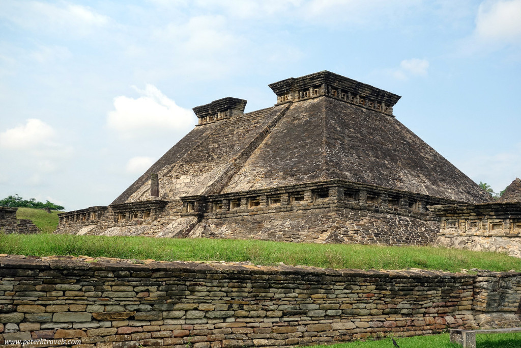 Building 5 at El Tajín