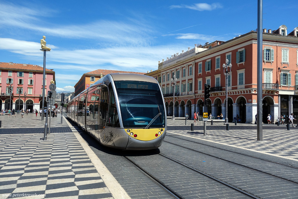 Tram, Place Massena