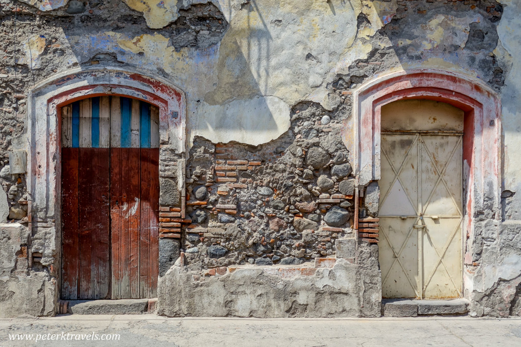 Doors, Altixco.