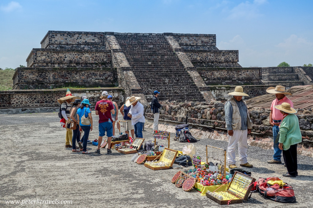 Vendors at Teotihuacan.