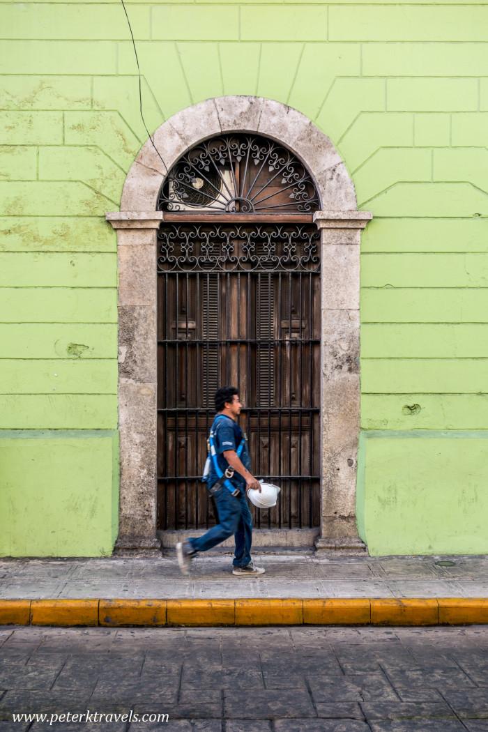 Man walking, Mérida.